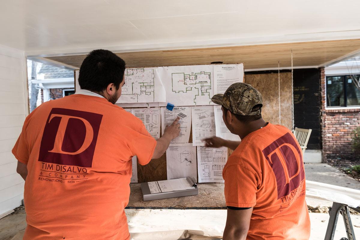 disalvo-team-in-orange