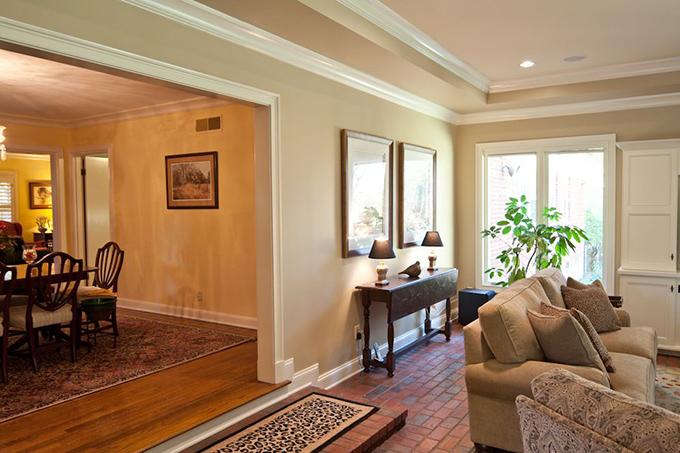 Brogdon_Livingroom-1-thumb