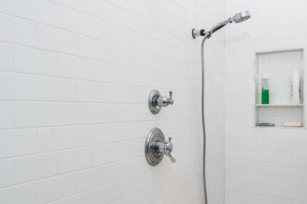 Central_Gardens_Bathroom-4-thumb