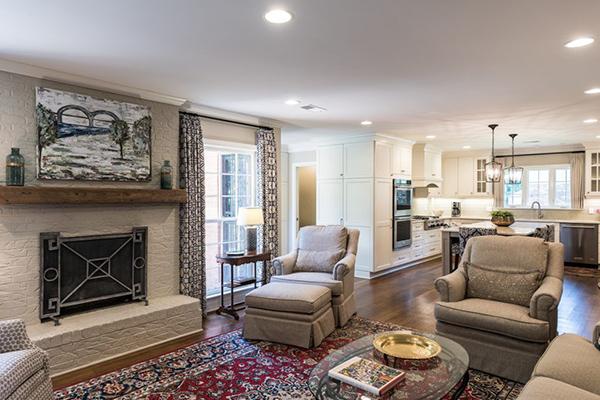 Cox_Livingroom-1-thumb