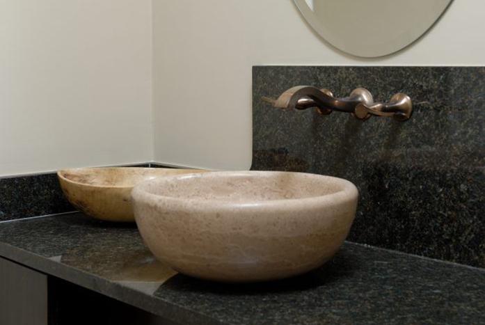 Downtown-Riverfront-Bathroom-1-Thumb