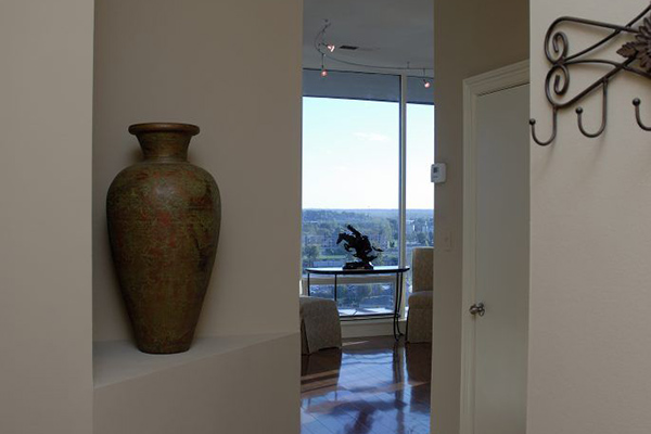 Downtown-Riverfront-Livingroom-1-thumb