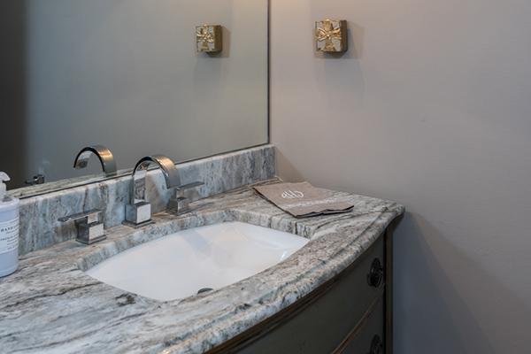 Hayes 1 Bathroom