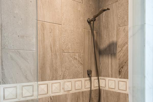 Hayes Master Bathroom 2-thumb