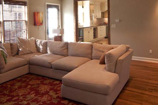 Kirby_Woods_Livingroom-2-thumb