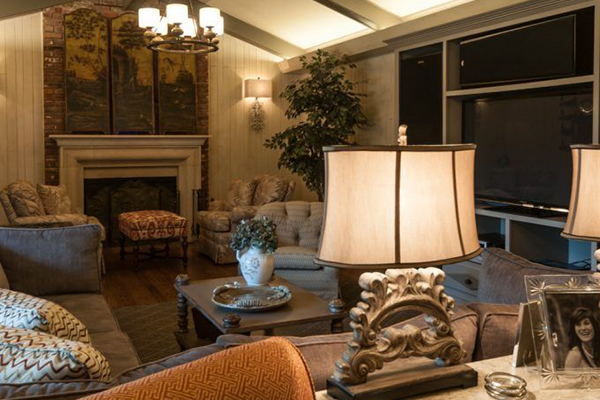Mitchell_Livingroom-2-thumb