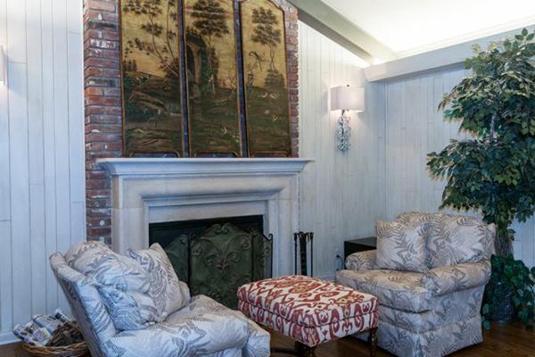 Mitchell_Livingroom-3-thumb