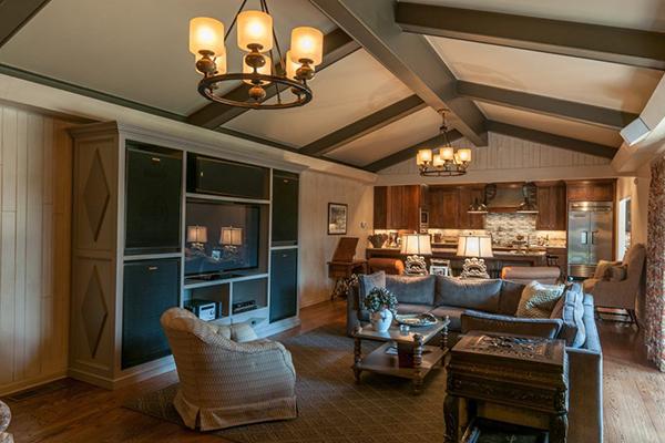 Mitchell_Livingroom-5-thumb