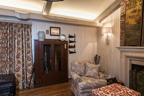 Mitchell_Livingroom-thumb