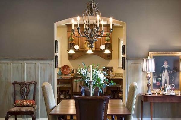 New_Home_East_Memphis_Diningroom-thumb