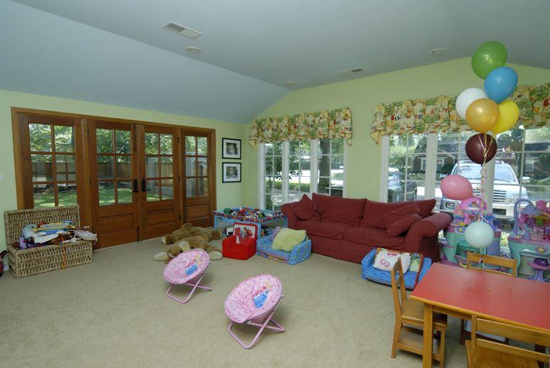 Oliver-Livingroom-5