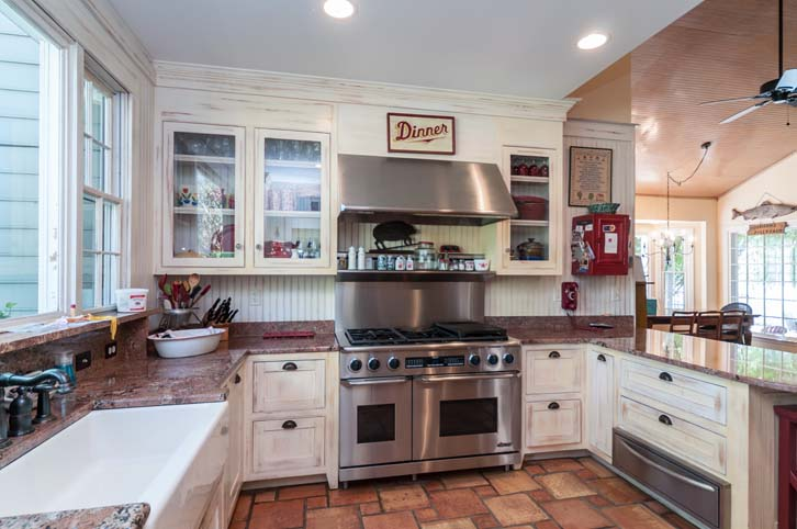Rocky-Hill-Manor_Kitchen-4
