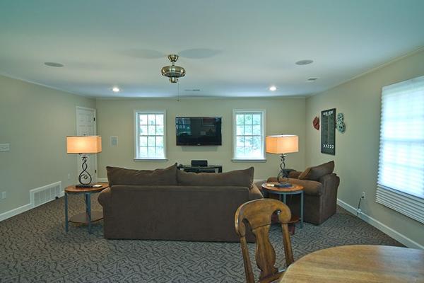Rotter-Livingroom-1-thumb