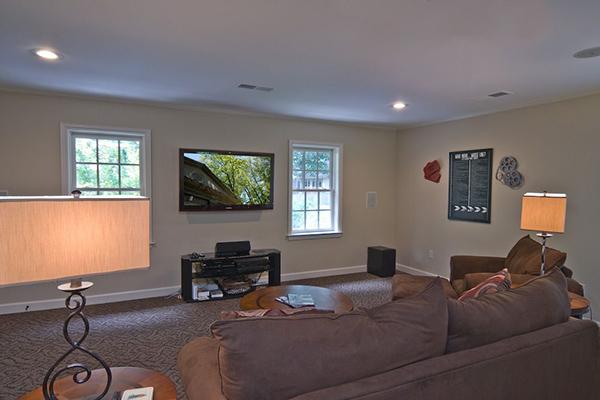 Rotter-Livingroom-2-thumb