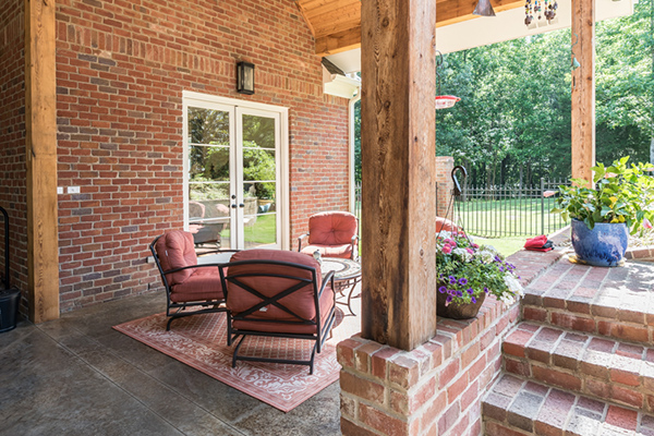 Truitt-Outdoor-Living-Space-1-thumb