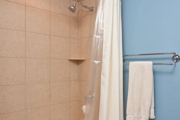 Ward-Bathroom-1-thumb